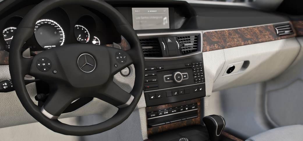 Mercedes Benz W212 GTA 5